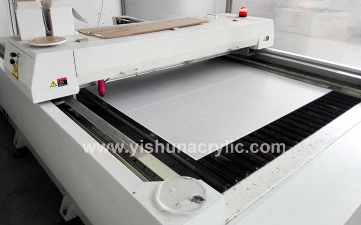laser cutting machine .jpg